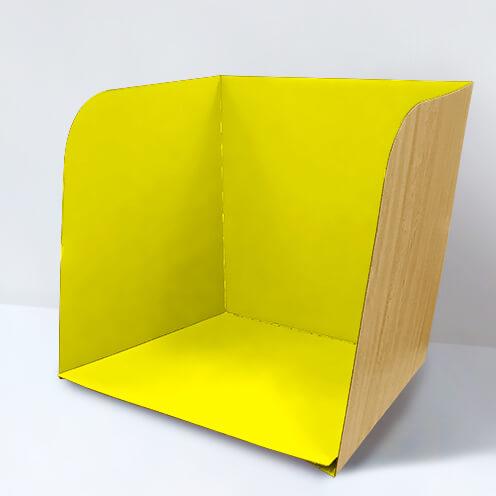 黄色いパーテーション
